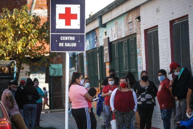 Argentina sufre su peor día de la pandemia con 4,250 casos y 82 muertes más.