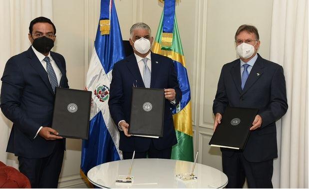 Canciller Miguel Vargas suscribe protocolo para impulsar comercio e inversión con Brasil