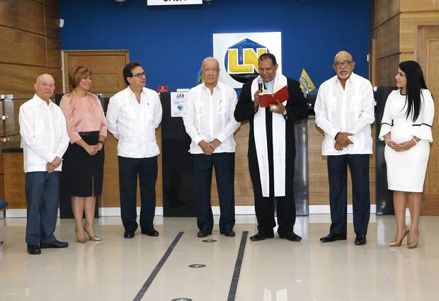 Fotografía Principal Osvaldo González, Claudia Espinal, Gustavo Zuluaga, Freddy Reyes, Padre Federico Marcial, Francisco Melo y Yazmín Sánchez.