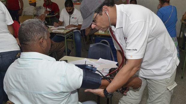 Instituciones realizaron Ruta de Salud Cardiovascular en Montecristi