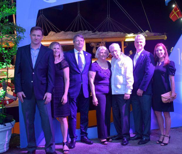 Dough Houston, Julie Rannik de Houston, Debbie Rannik, Jaak Rannik, Jaak B. Rannik y Coral Batlle.