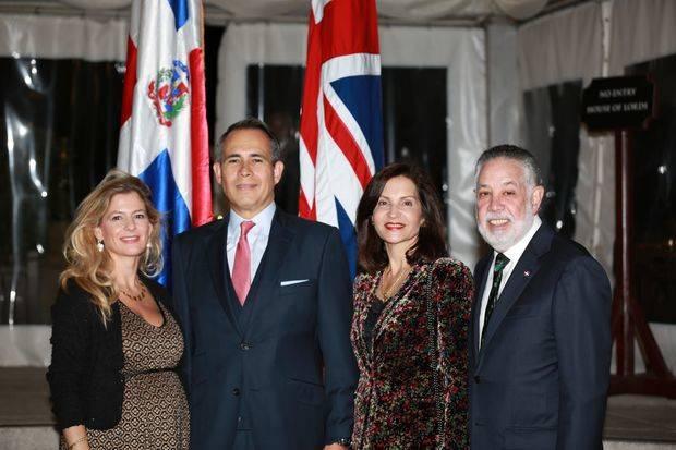 Ofrecen cóctel en honor de delegación dominicana en el Palacio de Westminster en Londres
