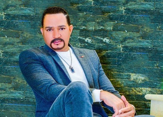 Frank Reyes celebrará en Premios Soberano sus 30 años en la música