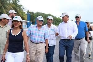 Frank Rainieri en visita a Izabal, Guatemala
