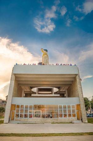 Remozamiento monumento a Fray Antonio de Montesinos.