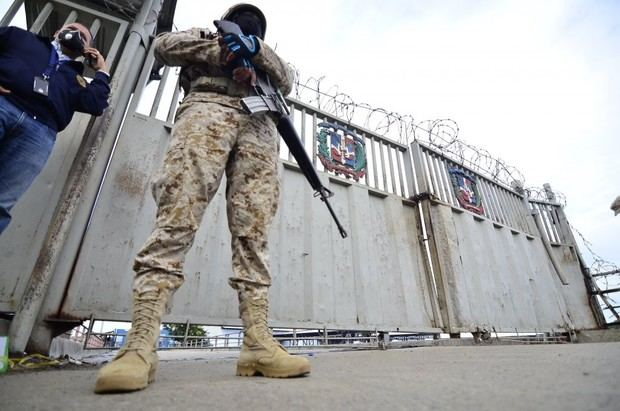 R.Dominicana despliega 7.200 tropas en la frontera ante crisis en Haití