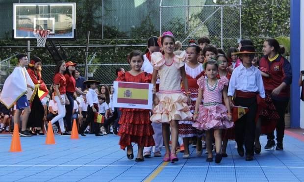 Saint George School reafirma su diversidad cultural, alberga estudiantes de 45 naciones