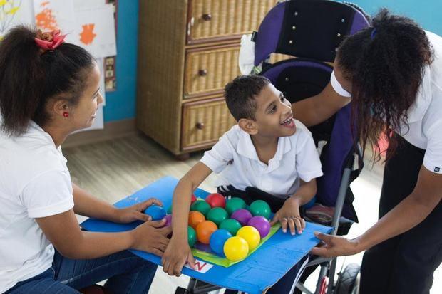La rehabilitación de niños y niñas con parálisis cerebral es una prioridad de la Fundación Nido para Ángeles.