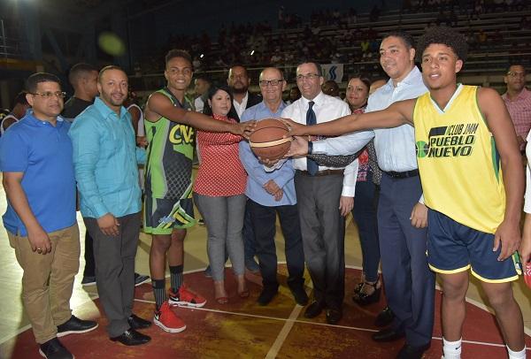Andrés Navarro afirma que el deporte es clave para la calidad educativa