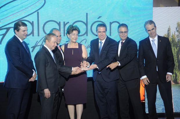 Galardón Luis Augusto Caminero reconoce protagonistas del turismo