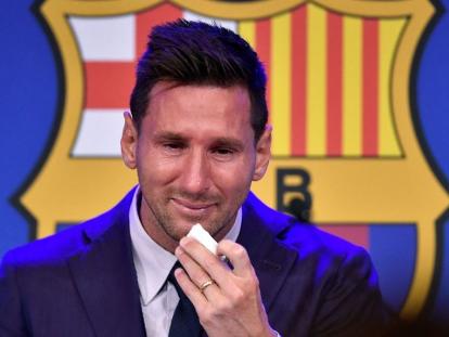 Messi se despide del Barcelona entre lágrimas