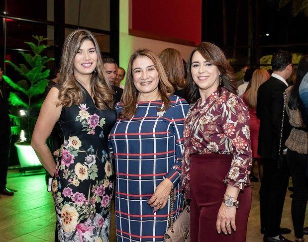 Giselle Peña, Milagros Estévez y Flor Reynoso.