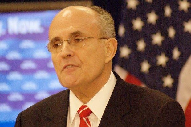 Giuliani vincula la inseguridad ciudadana a la corrupción y la pobreza