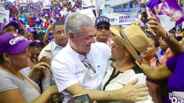 El precandidato presidencial del Partido de la Liberación Dominicana, PLD,  Gonzalo Castillo.