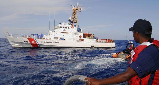 Guardia Costera EE.UU. repatría a 66 dominicanos que trataban entrar a Puerto Rico.