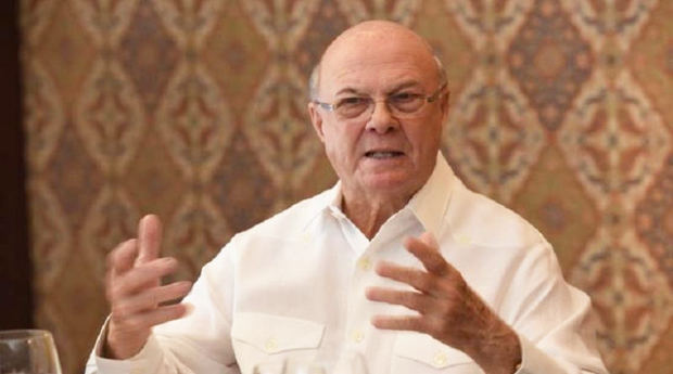 Abinader visita a Hipólito tras las críticas del exmandatario al canciller