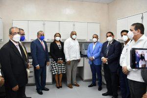 El doctor Plutarco Arias visitó hospital de Bonao y anunció inicio de entrenamiento de personal.