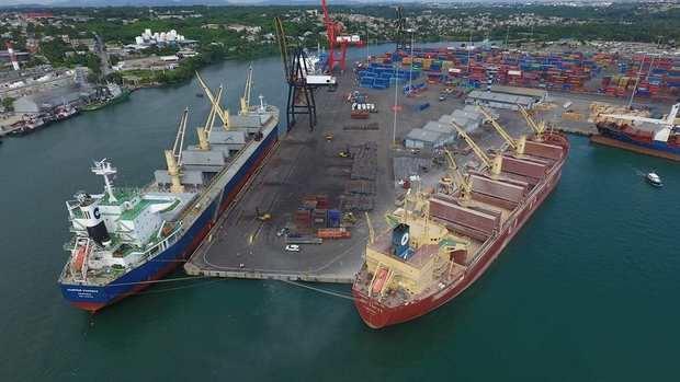 Descubren más droga camuflada a través de una mudancera por el puerto de Haina