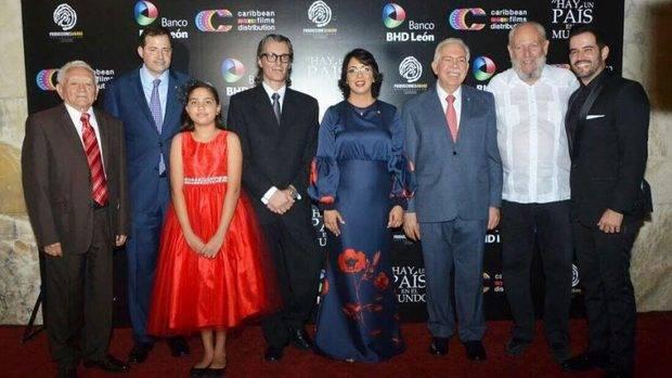 Hay un país en el Mundo: nueva y exitosa identidad nacional al cine