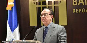 Héctor Valdez Albizu, Gobernador del Banco Central de la RD.