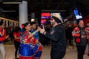 República Dominicana hace bailar a ritmo de merengue a los fans de los equipos de hockey en Montreal