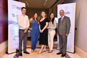 De izquierda a derecha, Iván Hernández, Alexandra Retrepo, Carolina Méndez, Johana Sandoval y el Sr. Rafael Pérez Barroso.