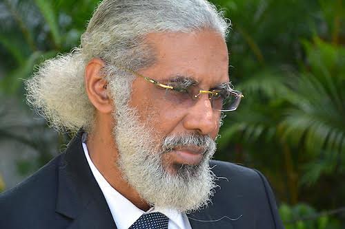 Sindicalista Juan Hubieres.