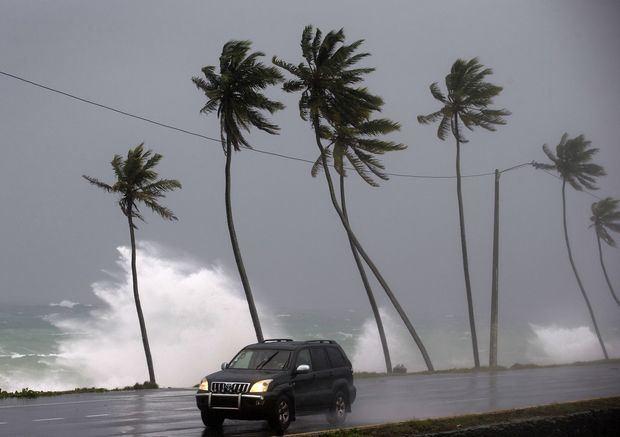 Dorian se fortalece mientras amenaza como huracán a Puerto Rico y República Dominicana