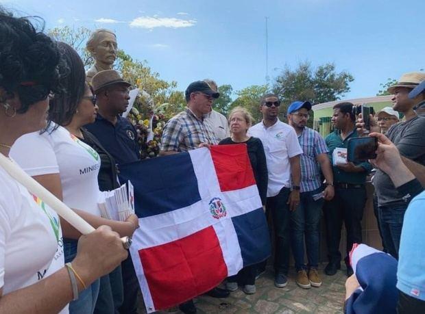 Instituto Duartiano pide instituciones públicas y privadas hagan cruzadas