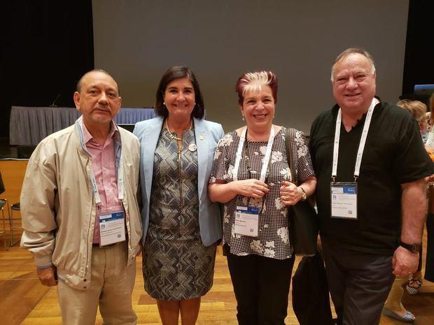 Diómedes Núñez Polanco, Gloria Pérez Salmerón, Elsa Barber y Pedro Zegers.