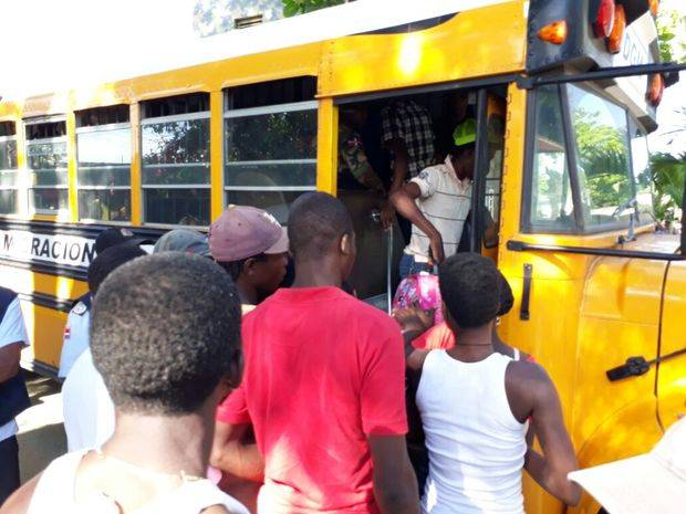 Migración detiene 410 indocumentados durante operativo en provincia Espaillat