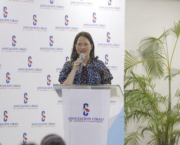 Asociación Cibao auspicia conferencia financiera para más de 200 pymes en SFM