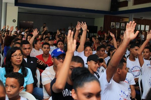 Ministerio Juventud orienta a jóvenes de Bonao con programa
