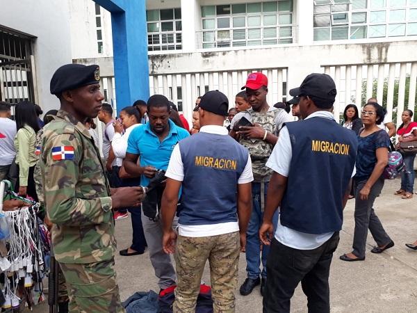 Más de 11 mil extranjeros fueron deportados por la DGM en septiembre