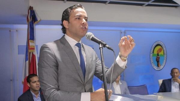 Juan Santos asume como nuevo secretario nacional de la juventud del PRD