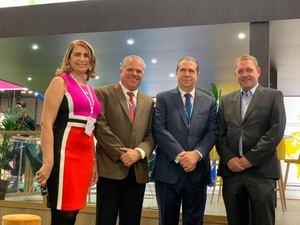 Juana Lahoz, César José de los Santos, ministro Francisco Javier García, Markus Wishchenbart.