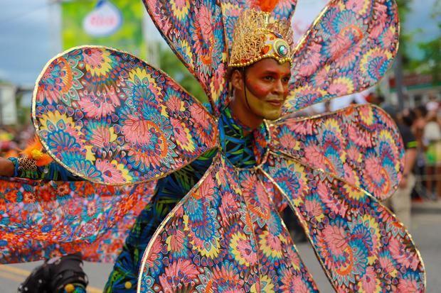 Carnaval Santo Domingo 2020 concluye con apoyo multitudinario de la ciudadanía