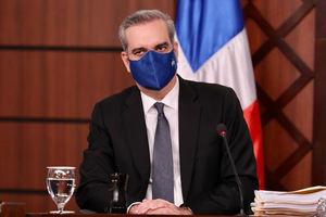 Luis Abinader promulga ley para viabilizar la oportuna adquisición de vacunas.