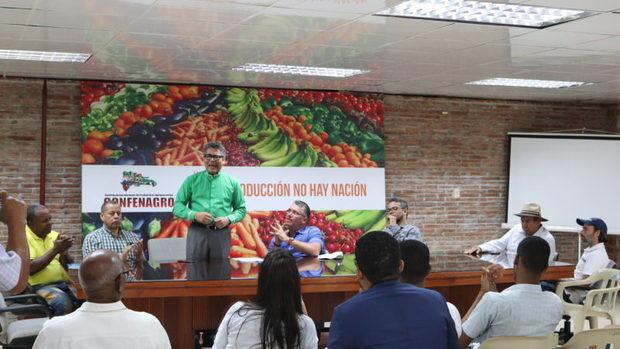 Dice campo no progresará mientras importaciones dirijan política agropecuaria