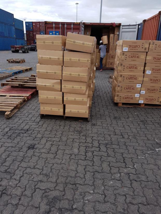 Aduanas incauta otro gigantesco contrabando de Cigarrillos