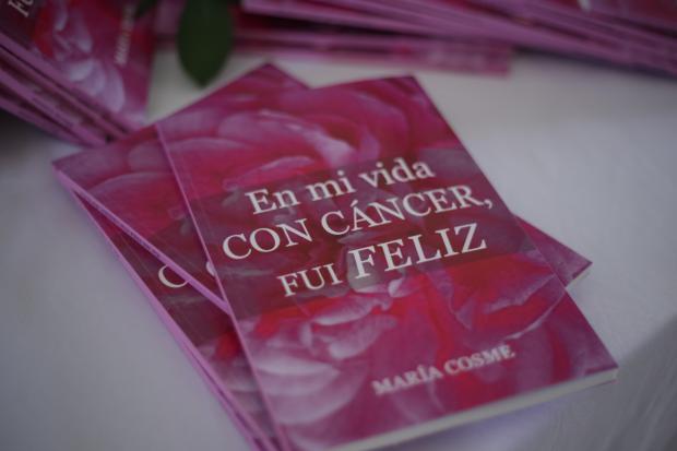 """María Cosme presenta libro: """"En mi vida con cáncer fui feliz"""""""