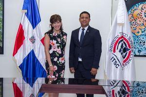 Señora Embajadora de EEUU en la Rep. Dom Robin S. Berntein y Milton Reyes, Rector ITSC.