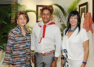 Irina de Fernández, Felipe De León, Mayra Hazin.