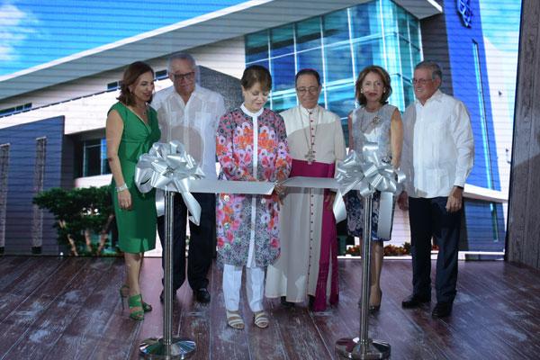 Grupo Universal inaugura edificio en Punta Cana