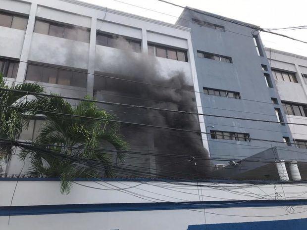 Incendio en el Ministerio de Salud Pública.