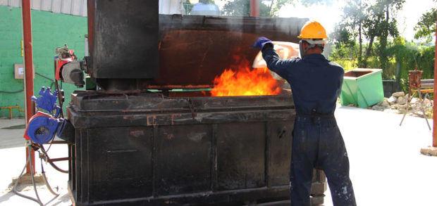 Proconsumidor decomisó e incineró 7,122 productos no aptos para el consumo.
