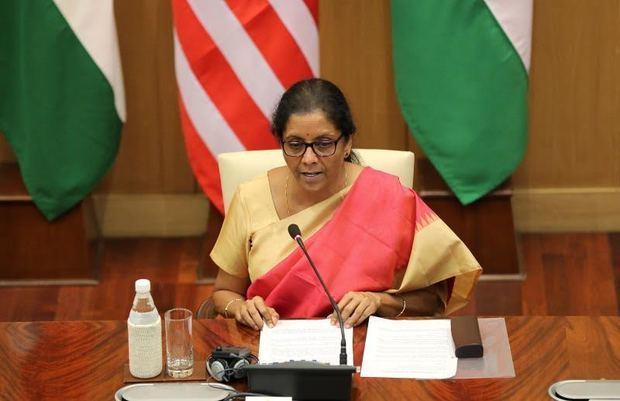 India responde a fin de trato especial de EEUU con más tasas a la importación.