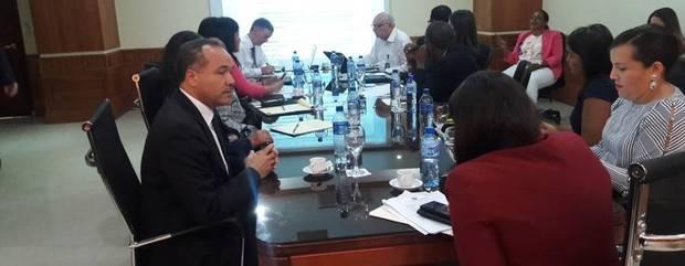 MICM y sector privado discuten proyecto ley Comercio Ilícito de Hidrocarburos, bebidas alcohólicas y tabaco
