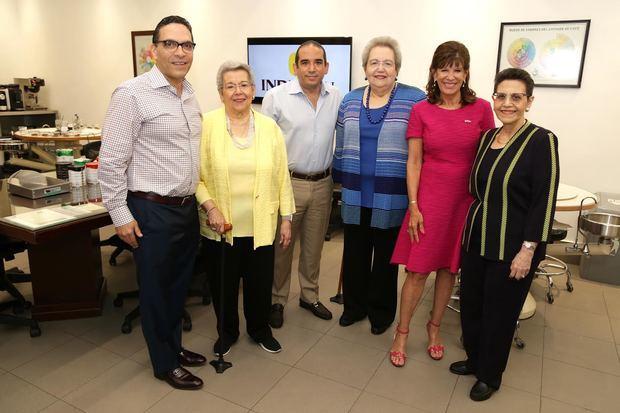 Embajadora de los Estados Unidos visita instalaciones de Industrias Banilejas