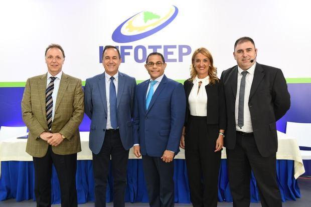 Rafael Ovalles, director de Infotep acompañado de Jorge Arévalo, Nikolas Sagarzazu, Jon Labaka y María José Barriola.